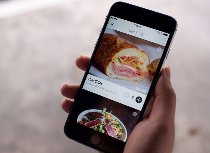 أوبر تطلق UberEATS خدمة توصيل الطعام