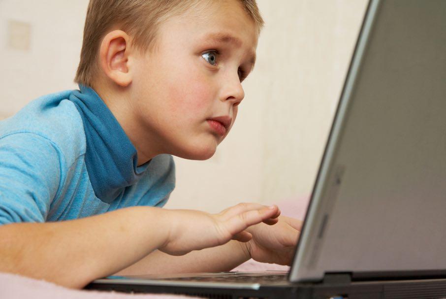إحمي عائلتك بحجب المواقع الخاصة بالكبار فقط على ويندوز 7