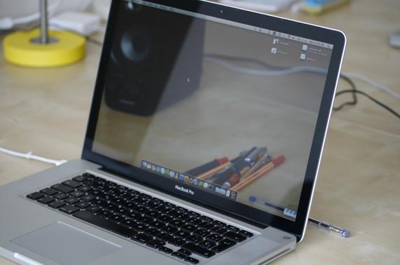 طريقة تنظيف اللاب توب بالتفصيل الشاشة, لوحة المفاتيح