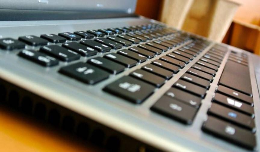 [4 طرق]كيفية اصلاح لوحة مفاتيح اللاب توب
