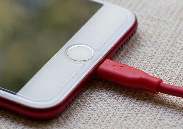 جهاز الايفون لا يشحن .. إليكم الحلول